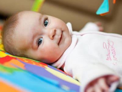 Второй месяц новорожденному