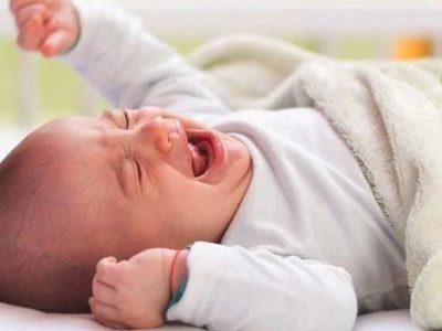 Новорожденный хрюкает носом
